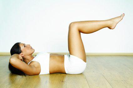 Rutina de abdominales para reducir abdomen y marcar cintura