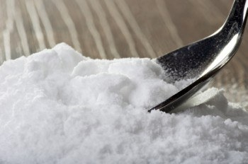 El bicarbonato de sodio como remedio natural para los puntos negros