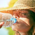 Cuánta agua beber al día. Calcular cantidad según peso y edad